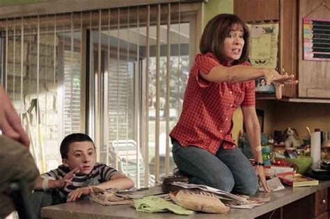 """The Middle Season 4 Episode 3 """"Bunny Therapy"""" 