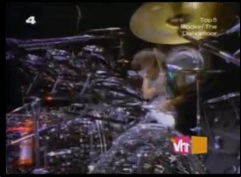 Danny Carey using Roto Toms for high toms? - Page 2