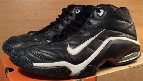 The Sneakers NBA Legends Wore In Their Final Games | Sole
