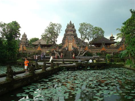 List of Hindu temples in Indonesia - Wikipedia