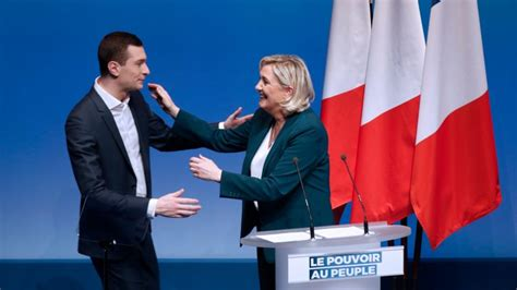 France's Le Pen launches EU campaign with appeal to